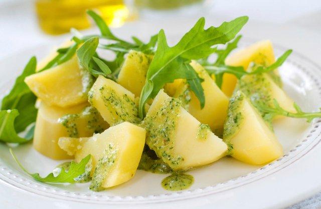 Πώς ξεχωρίζεις το έξτρα παρθένο ελαιόλαδο: Το τεστ της πατάτας