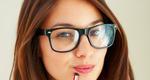 5 μυστικά μακιγιάζ για όσες φορούν γυαλιά
