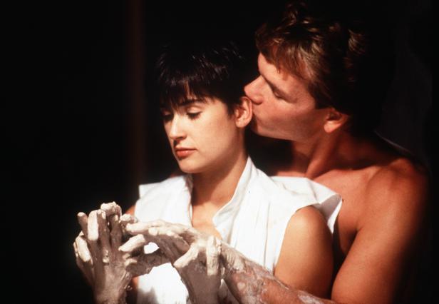 Με την Ντέμι Μουρ στην ταινία  Ghost , το 1990.