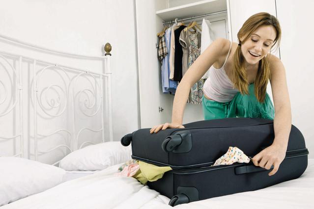 Οι απαραίτητες κινήσεις πριν κλείσεις τη βαλίτσα