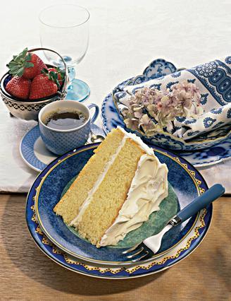 Κέικ με γλάσο λευκής σοκολάτας
