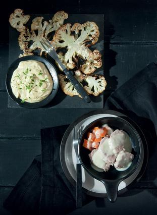 Σαλάτα με κουνουπίδι ψητό και κάρι με γιαούρτι