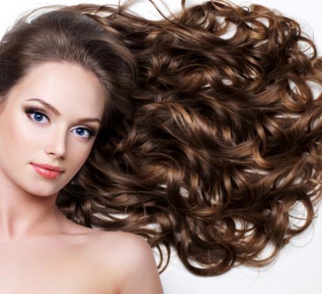10 τρικ για απίστευτα μαλλιά μετά τις διακοπές