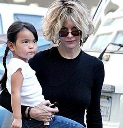 Η Μεγκ Ράιαν με την υιοθετημένη κόρη της, Ντέιζι.