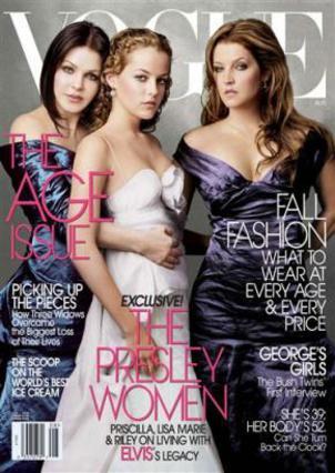 Πρισίλα Πρίσλεϊ, Ρίλεϊ Κιου και Λίζα Μαρί Πρίσλεϊ. Η σύζυγος, η εγγονή και η κόρη του Βασιλιά φωτογραγημένες για το εξώφυλλο της Vogue πριν από μερικά χρόνια.