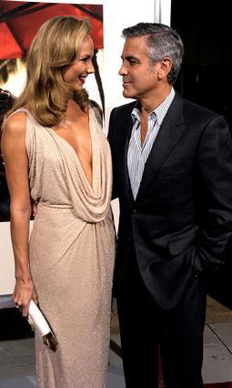 Ο Τζορτζ Κλούνεϊ με την αγαπημένη του, Στέισι Κίμπλερ, δείχνουν πολύ ερωτευμένοι...