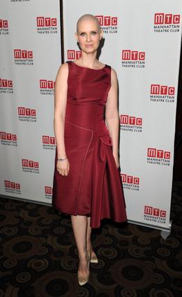 Η Σίνθια Νίξον στο πάρτι για την πρεμιέρα της παράστασης Wit στη Νέα Υόρκη.
