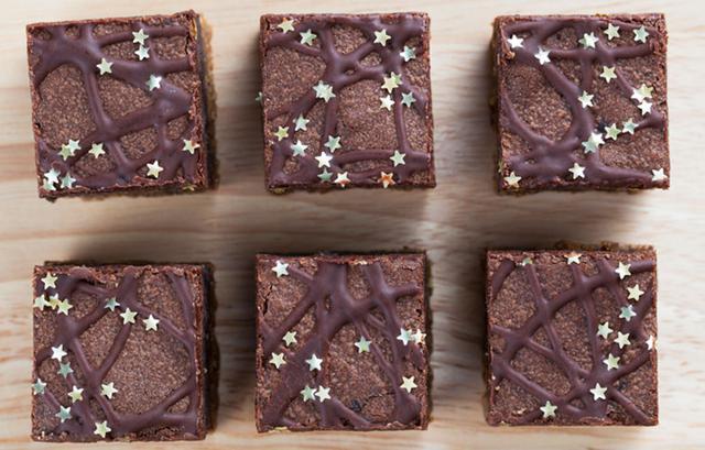 Brownies σοκολάτας: Πώς θα καταλάβεις ότι ψήθηκαν;