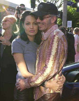 Ερωτευμένοι και  άγριοι  ήταν η Αντζελίνα και ο Μπιλι Μπομπ Ποιος μπορεί να ξεχάσει ότι κυκλοφορούσαν έχοντας ο καθένας στον λαιμό του ένα μικρό φιαλίδιο με το αίμα του άλλου;