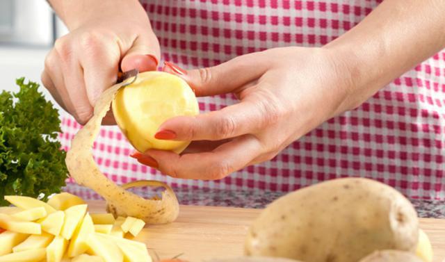 Υπέροχο σνακ με... φλούδες πατάτας