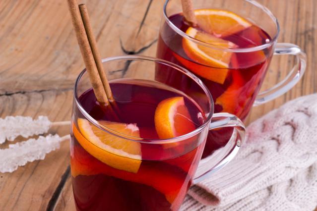 Κοκτέιλ με τσάι, κράνμπερι & πορτοκάλι: Hot cranberry orange tea