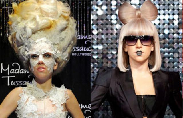Δύο από τα οκτώ κέρινα ομοιώματα της Lady Gaga που αποκαλύφθηκαν χθες