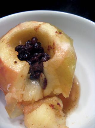 Μεθυσμένα μήλα ψητά στην κατσαρόλα ή στον φούρνο