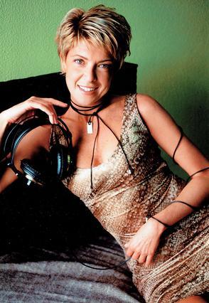 Δέκα χρόνια στο ραδιόφωνο μετράει η Πόπη Χατζηδημητρίου χωρίς να της λείπει καθόλου η τηλεόραση.
