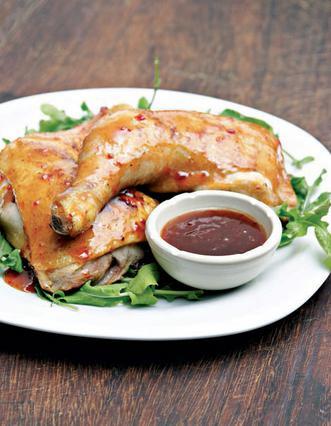 Κοτόπουλο με καυτερή σάλτσα μπάρμπεκιου