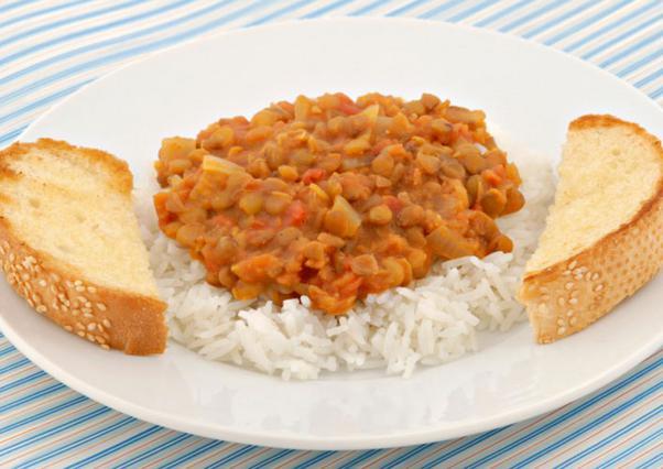 Ρύζι μπασμάτι με φακές και καρύδια