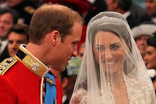 Τα καταφέραμε , φέρεται να είπε ο πρίγκιπας Γουίλιαμ στην αγαπημένη του, Κάθριν, μόλις εκείνη έφτασε δίπλα του.
