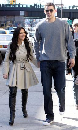 Το ζευγάρι έχει μια αδιαμφισβήτητη διαφορά ύψους...
