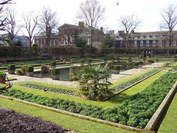 Θα καταφέρει η Κέιτ να ξορκίσει την κατάρα που φαίνεται ότι στοιχειώνει το παλάτι του Κένσινκτον εδώ και 300 χρόνια;