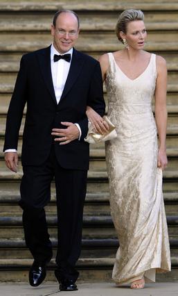 Το ένα σχόλιο για τη συγκεκριμένη φωτογραφία του πρίγκιπα Αλβέρτου και της Σαρλίν αφορά την άψογη φιγούρα της πριγκίπισσας και το δεύτερο το γεγονός ότι  Ναι, είναι ακόμη παντερεμένοι .