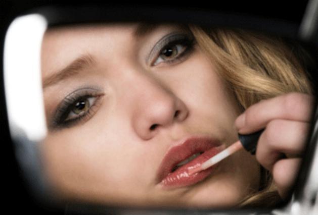 Μάθε τα μυστικά για τέλειο μακιγιάζ ακόμη και στο δρόμο!
