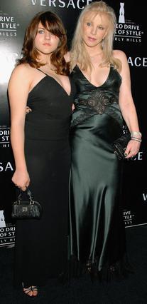 Η Κόρτνεϊ Λαβ με την κόρη της,  Φράνσις Μπιν Κομπέιν το 2007.