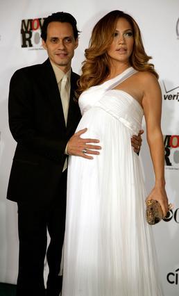 Ο σύζυγός της, Μαρκ Άντονι, είναι πάντα στο πλευρό της. Εδώ, το ζευγάρι φωτογραφίζεται το 2008, όταν η Τζένιφερ ήταν έγκυος στα δίδυμά τους.