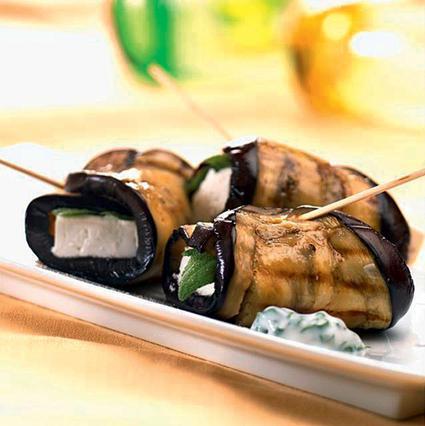Μελιτζάνες ρολά με τυρί και μπέικον