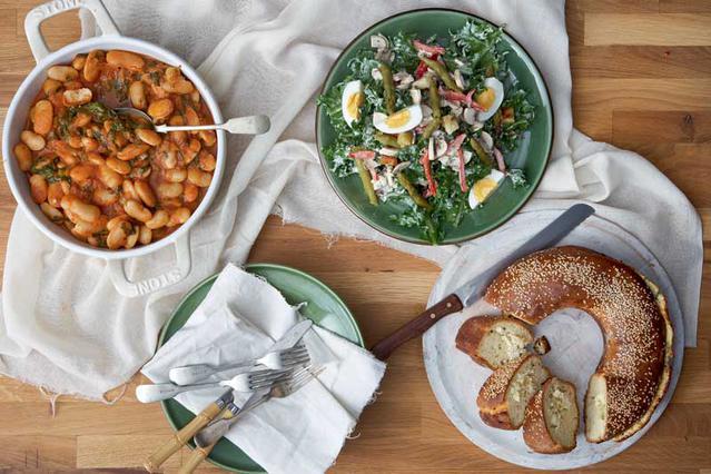Σαλάτα με αντίδια, σπαράγγια και αβγά