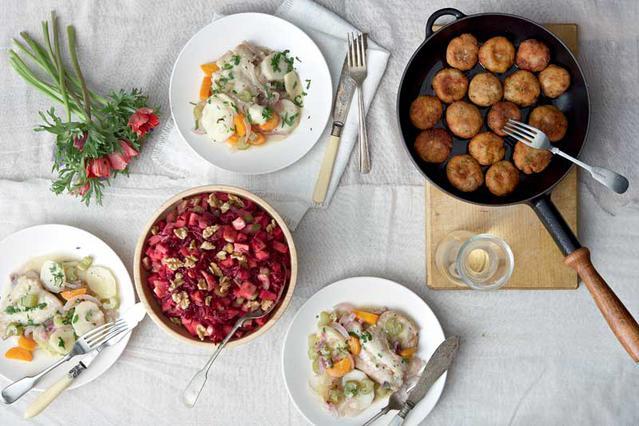 Σαλάτα με παντζάρι, ξινόμηλο, σέλερι και καρύδια