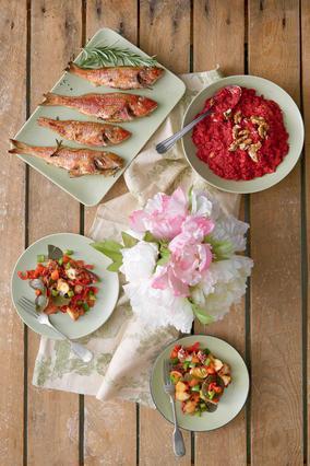 Σαλάτα χταπόδι με πιπεριές και πετιμέζι