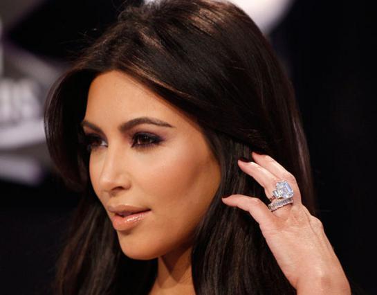 Θέλεις πίσω το δαχτυλίδι Κρις; Αμ δε...