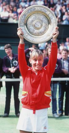 Το 1982 η Μαρτίνα Ναβρατίλοβα  κερδίζει τον έναν από τους  συνολικά εννέα τίτλους της  στο πρωτάθλημα.