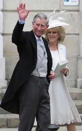 Ο πρίγκιπας Κάρολος και η Καμίλα την ημέρα του γάμου τους, το 2005.