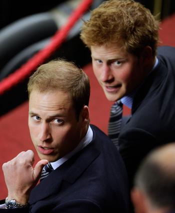 Οι πρίγκιπες Γουίλιαμ και Χάρι  είναι μακρινά ξαδέλφια του  Ρόμπερτ και όλοι μαζί...  ανίψια του Κόμη Ντράκουλ!