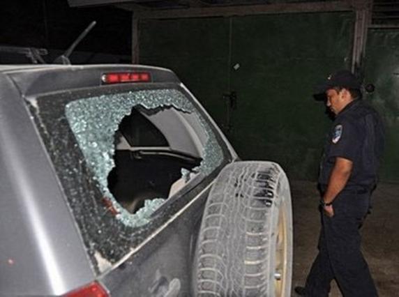 Ο πυροβολισμός εναντίον του ρεπόρτερ ευτυχώς είχε θύμα μόνο το αυτοκίνητο του.