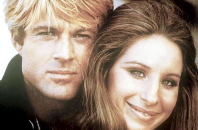 Κλασική φωτογραφία από την θρυλική ταινία  Τα καλύτερά μας χρόνια   του 1973 με τον Ρόμπερτ Ρέντφορντ  και την Μπάρμπρα Στρέιζαντ στα καλύτερά τους.