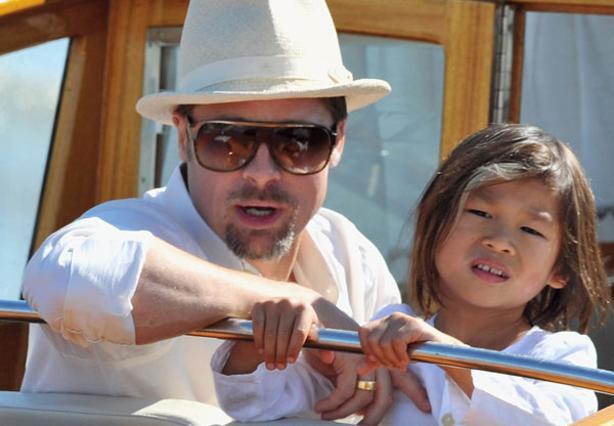 Ο Μπραντ Πιτ με τον Παξ πριν από δύο χρόνια στη Βενετία