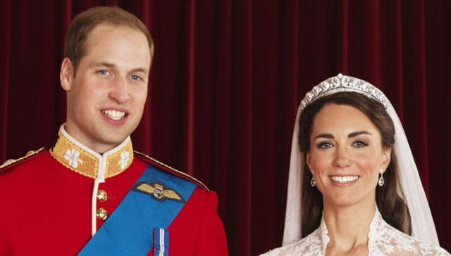Η πρώτη επίσημη φωτογραφία του Γουίλιαμ και της Κάθριν ως σύζυγοι