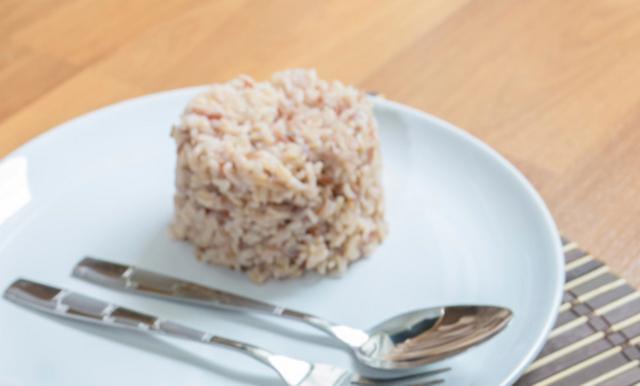 Ρύζι καστανό με ρόκα