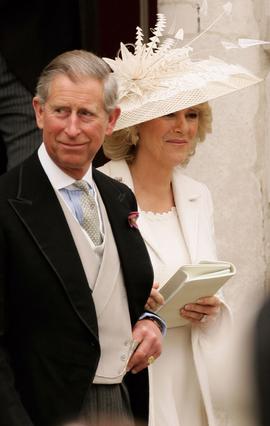 Ο Κάρολος και η Καμίλα αμέσως  μετά το πολιτικό σκέλος του  γάμου τους, το 2005.