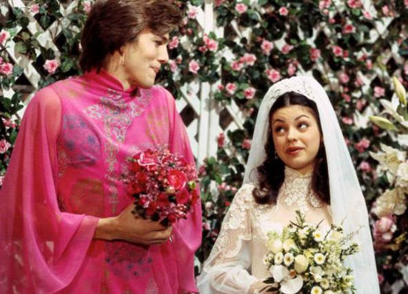 Κούνις: Παντρεύομαι την παιδική μου καψούρα