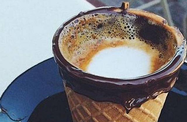 Το πιο απολαυστικό καφεδάκι σερβίρεται σε... βάφλα!