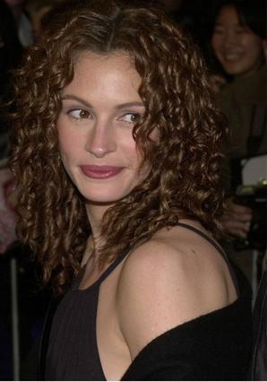 Η Τζούλια Ρόμπερτς φωτογραφημένη  πριν από 10 χρόνια. Πάντα όμορφη.