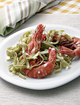 Ταλιατέλες με σπανάκι και γαρίδες