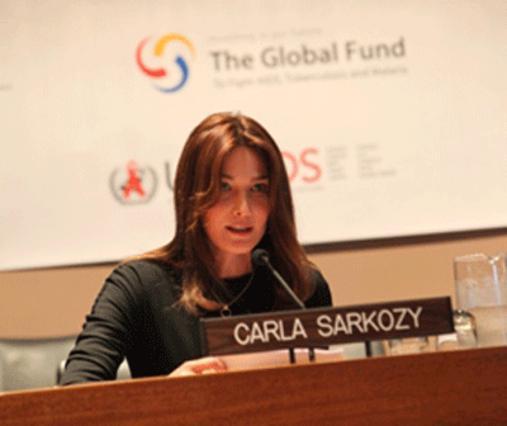 Η Κάρλα Μπρούνι, δε μένει στα  λόγια αλλά βοηθάει τους νέους  μέσω  του ιδρύματος να ακολουθήσουν συναρπαστικά επαγγέλματα!