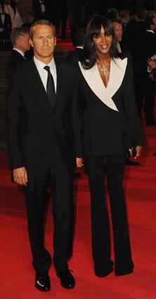 Ο Βλαντιμίρ Ντορόνιν και η Ναόμι Κάμπελ εμφανίστηκαν στην πρεμιέρα της τελαυταίας ταινίας του Τζείμς Μποντ, Skyfall, στο Λονδίνο.