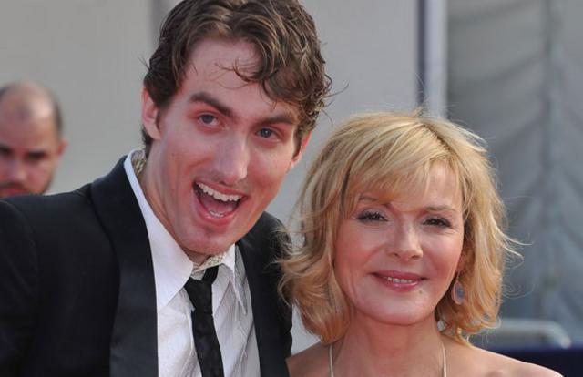 Μια πολύ αμήχανη στιγμή ανάμεσα στους δύο συμπρωταγωνιστές αποκάλυψε ο σκηνοθέτης της ταινίας και η Κιμ  τα πήρε στο κρανίο .