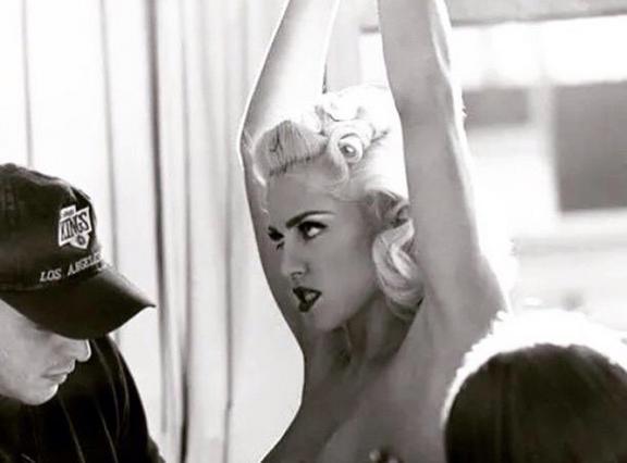Ποιος  κατσιάζει  το στήθος της Μαντόνα;