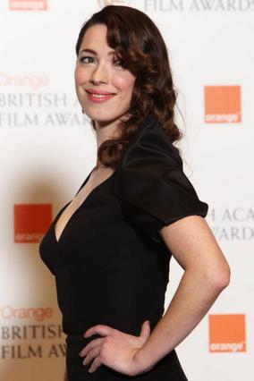 Σύμφωνα με δημοσίευμα της   Daily Mail  η νεαρή ηθοποιός  Ρεμπέκα Χολ κρύβεται πίσω από  τον χωρισμό του ζευγαριού.